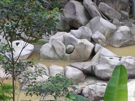 Khu du lịch nước nóng Sơn Kim